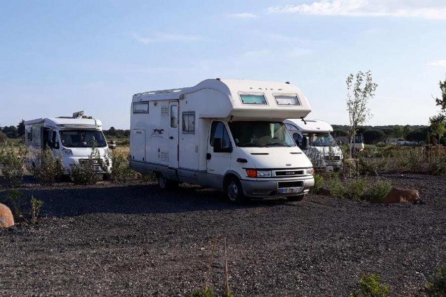 Photo Emplacements de camping-car spacieux à Vias
