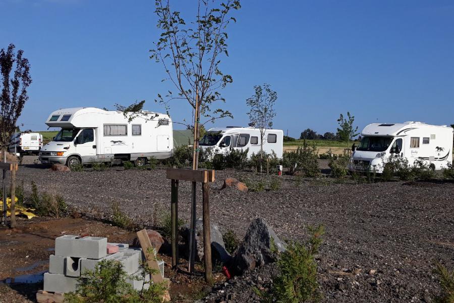 Photo Nombreux emplacements de camping-car Vias