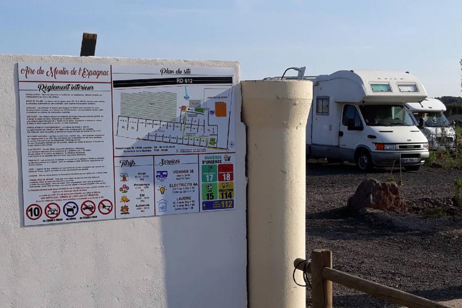 Photo Plan et règlement intérieur aire camping car Vias